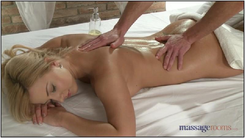 Пришел на массаж а там делала массаж практикантка