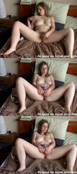 blonde-chick-masturbate0322