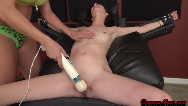 Femdom BDSM-Spread and Squirt