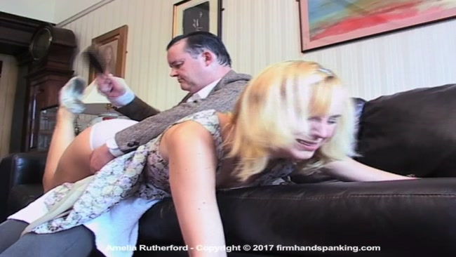 Compris spanking in front