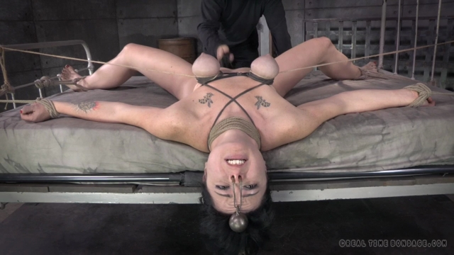 Siouxsie_Q__Oh__My_Goodness__Part_2_.mp4.00012,
