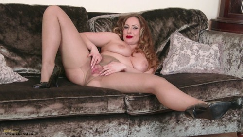 Fill Pantyhose With Kitty 107