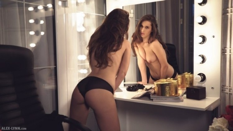 Elina in black in reflection 6