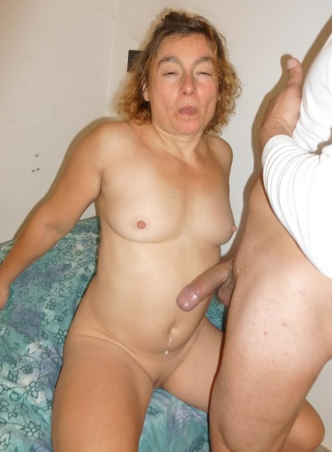 Mature Italian lady gets cum on tits in dirty hard amateur fuck