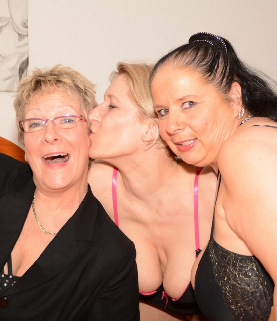 Naughty German grannies play with sex toys in wild lesbian threesome