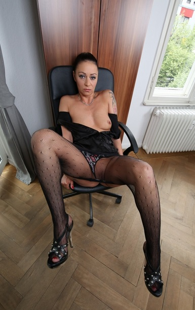 Dirty German office sex with alluring tattooed MILF secretary Mareen Deluxe