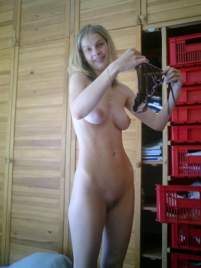 Любительское фото сестры голенькой