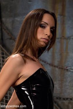 11166_AmberRayneKieraKing_020_s.jpg