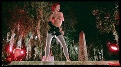 Linnea Quigley - The Return Of The Living Dead (1985) 1002_s