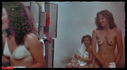 Sissy Spacek & Nancy Allen @ Carrie (US 1976) 1002_s