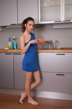 Красивая голая домохозяйка 286