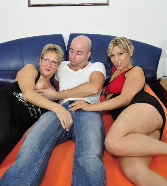 Slutty German mature ladies share cock in steamy threesome