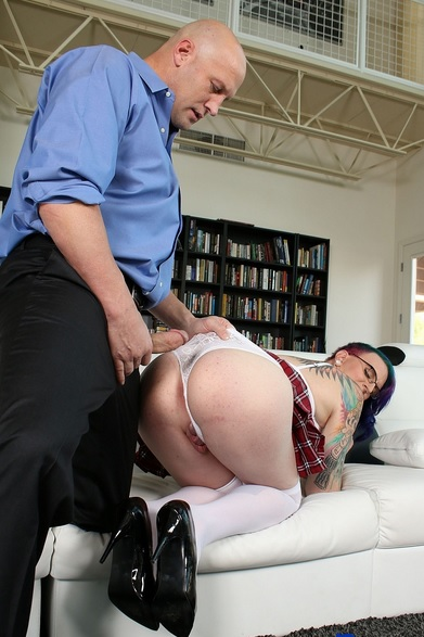 tall alt starlet Nicolette makes her bareback debut