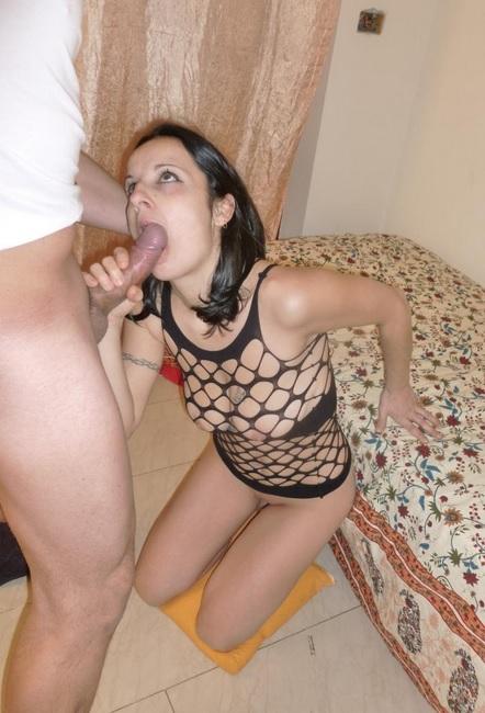 Mature Italian brunette Claudia fucks hard and gets mouth creampie
