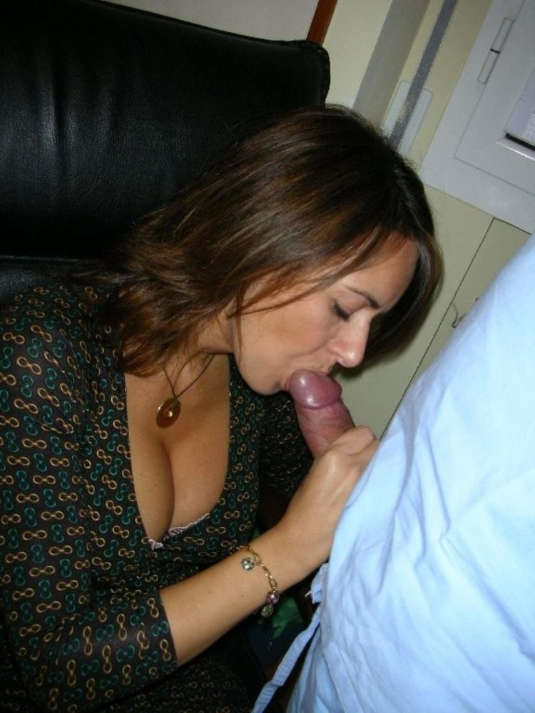 Mature wife wants to suck cock
