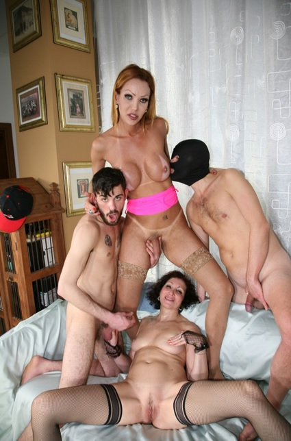Kinky foursome with lovely tranny Renata Davila