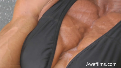 IRENE ANDERSEN - Heavyweight Muscle