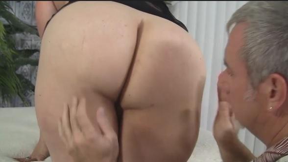 Amateur BBW MILF Rubee gets her plumpy pussy fucked hard