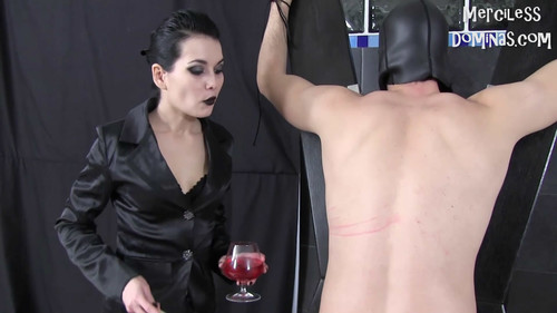 Mercilessdominas: Whipping Fun With Mistress Lilith