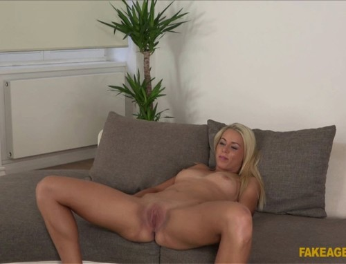 Hot Body Blonde Wants to Be a Model [Christin Courtney and James] - Fake Agent Cover