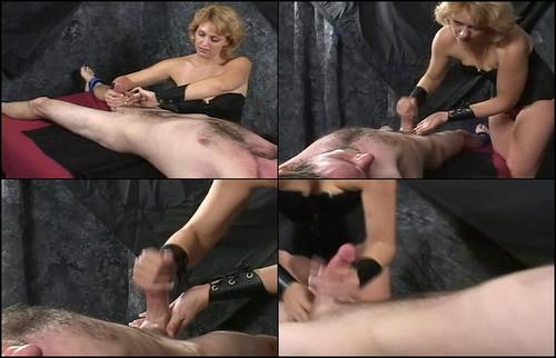 Amateur lesbian babes with dildo
