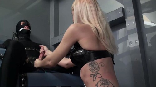 Mistress Helix – Hand Control After Isolation
