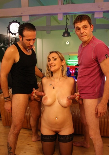 MMF threesome features blonde French amateur