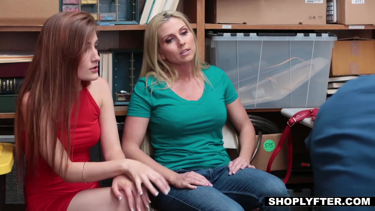shoplyfter mother daughter