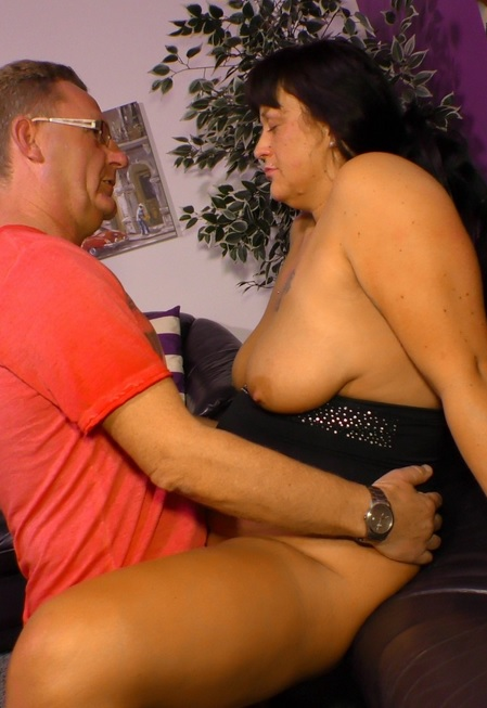Chubby tattooed German housewife enjoys hardcore