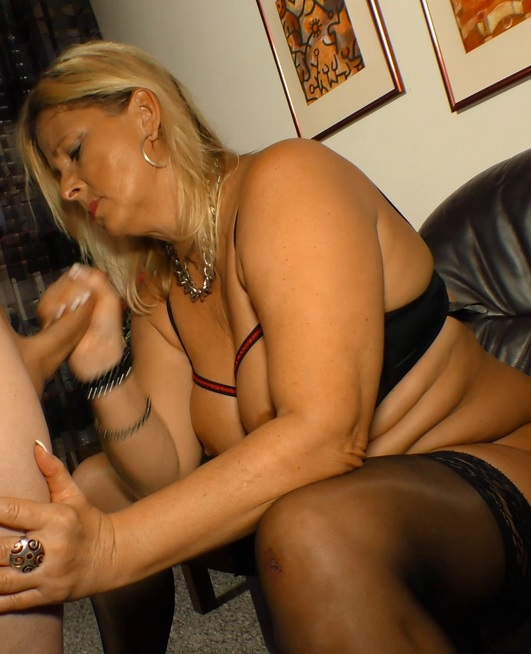 Blonde Milf Masturbation Hd