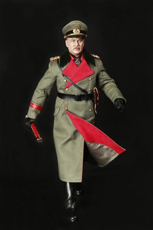 Une poupée Nazie. DID-3R-GM624-17_m