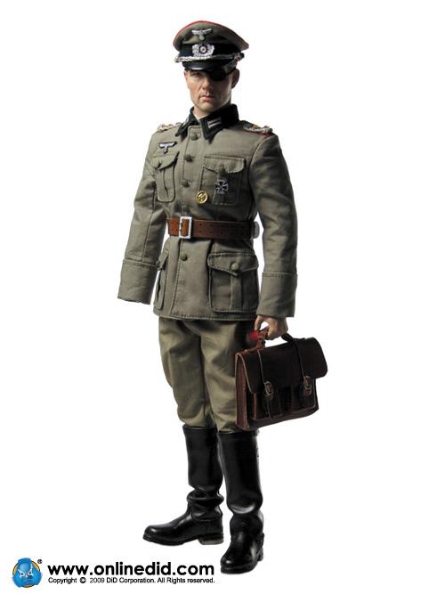 Une poupée Nazie. Stauf5eNEpfR