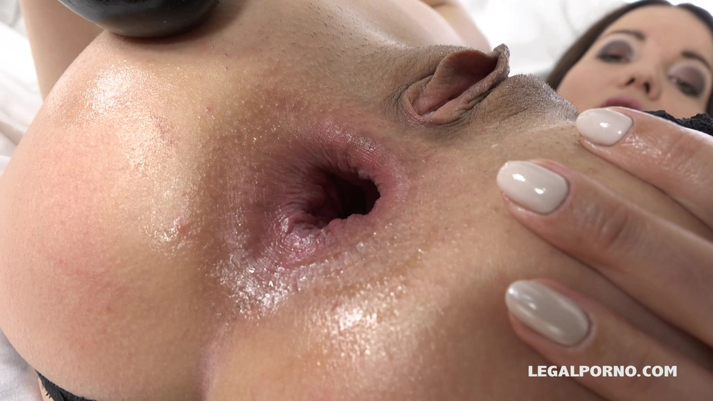 LegalPorno - Interracial Vision - Roxy Dee is new gape girl who decide to get her ass blacked IV062