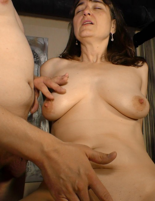European amateur granny in hardcore sex scene