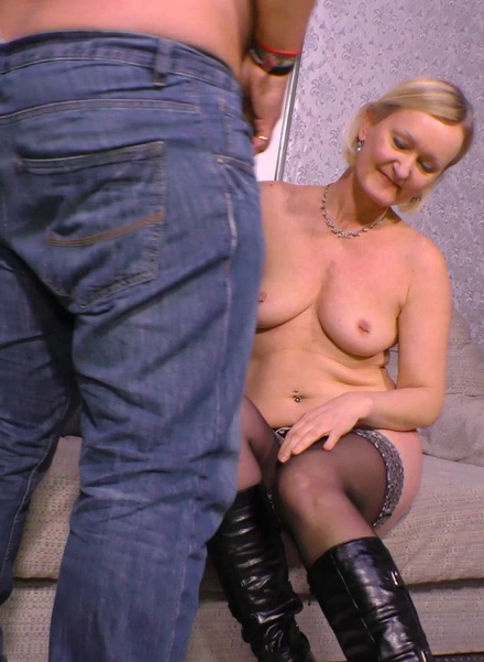 German granny Ani F. getting pussy fucked