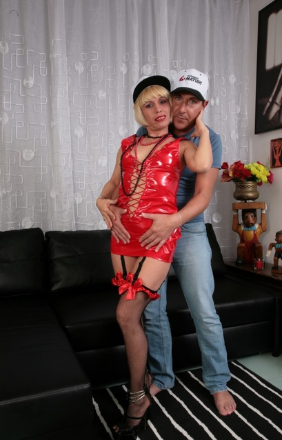 Deep hard ass fucking with mature Italian blondie Analisa Lovex