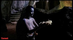 Amanda Donohoe, Catherine Oxenberg - The Lair of the White Worm (1988) Amanda_donohoe_1a9174_infobox_s