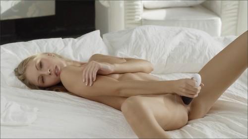 Angelica_Angelica_Means_Angel_-_X-Art_Com_HD_720p_m.jpg