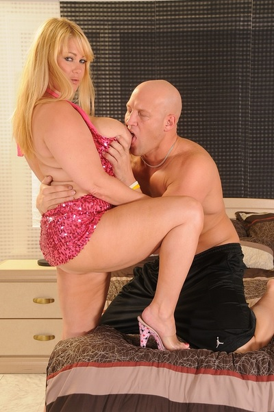 Superstar BBW MILF Samantha 38g gets banged