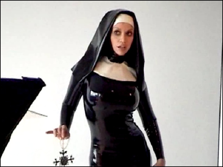 Порно видео про монашек69