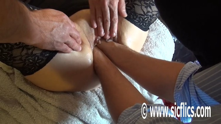 White Girl Fat Ass Gets Fucked