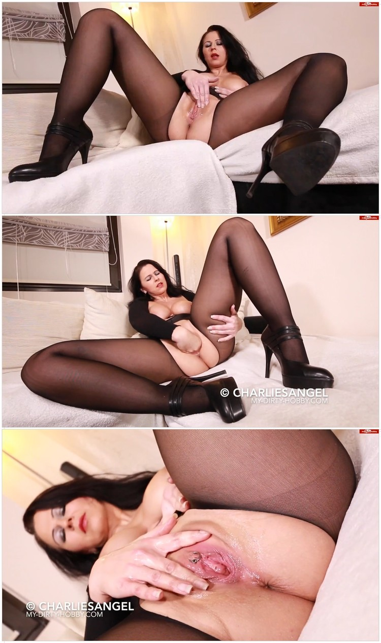 Desyra in black pantyhose_cover,