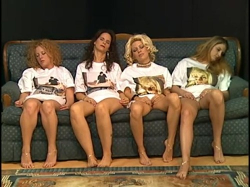 4 girls hypno