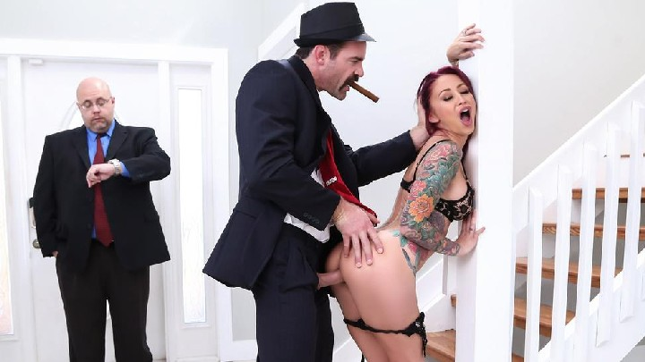 [RealWifeStories] Monique Alexander – The Don Whacks My Wife's Ass (31.07.2017)