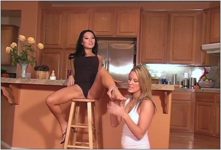 [Footworshipstudios  clips4sale] kiarawasa1 Foot Worship Studios – Exclusive Lesbian Foot Fetish Scenes