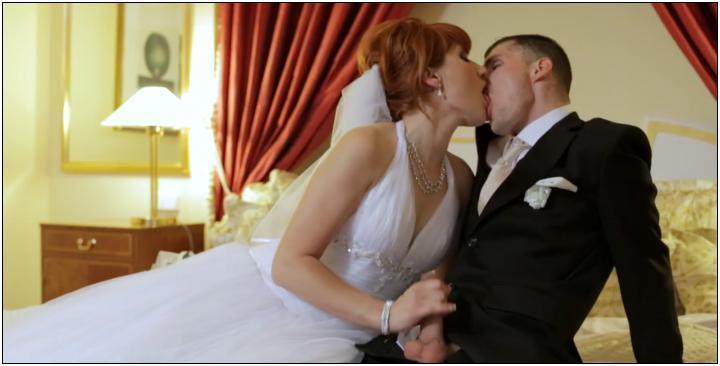 Похожие порно видео с Секс втроем Жених Невеста и ее мачеха