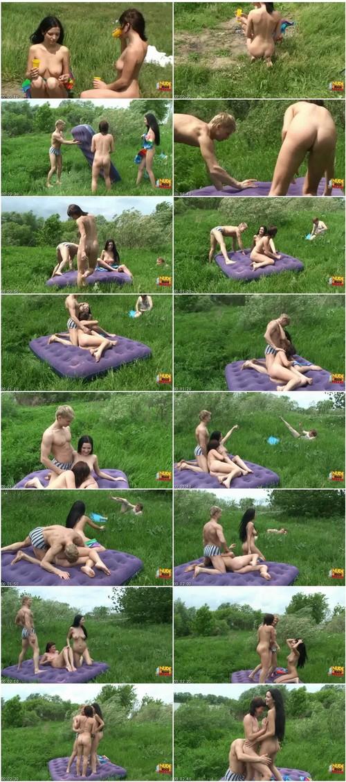 http://ist3-6.filesor.com/pimpandhost.com/9/6/8/3/96838/4/R/Q/U/4RQUJ/Nudebeachdreams037_thumb_m.jpg