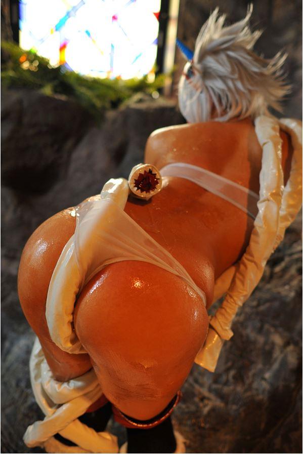 Asiatica de culo perfecto se muestra muy sensual
