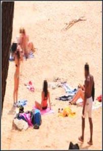 Jesús Reyes-Un Negro Polludo Y Lo Facil Que Es Ligar En Una Playa Nudista Con Ese Trabuco