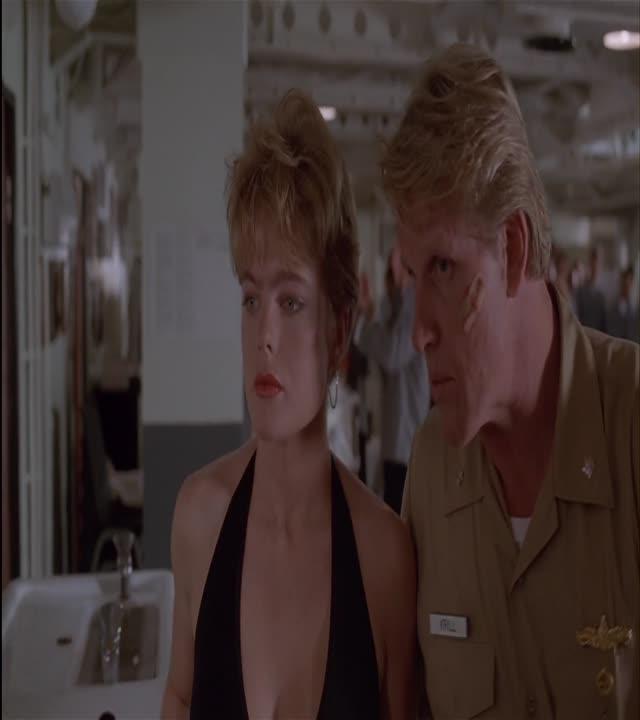 erika eleniak nude - under siege (1992) hd 1080p (image 1),